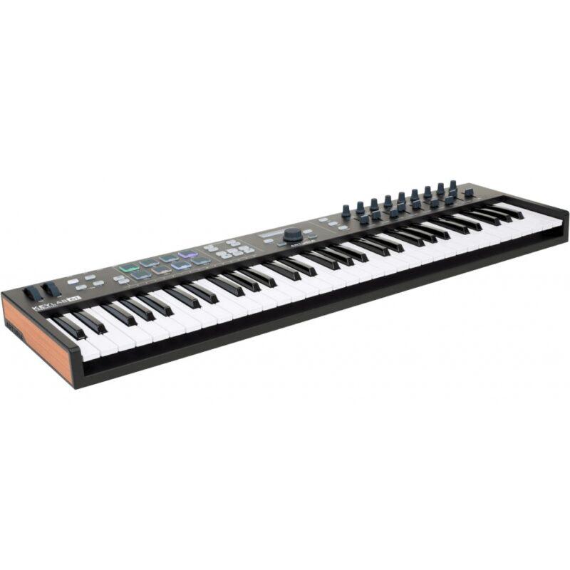 Миди-клавиатура Arturia KeyLab Essential 61 Black Edition